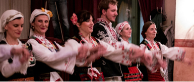 Metapodia, Tanzgruppe aus dem Balkan