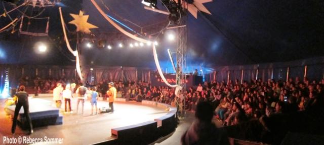 (Foto © AG F+M) Abschlussshow  von Jugenlichen und KIndern aus zwei Flüchtlingsunterkünften (Salvador-Allende-Haus und Adlershof) im Zirkus Cabuwazi