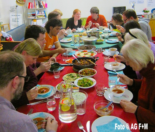 """AG F+M Syrischer Kochkurs: Gemeinsames Essen in """"Die Lernwerkstatt"""""""